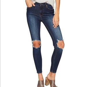 Free People High Waisted Busted Skinny Jeans 28